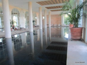 Indoor pool Cortesin