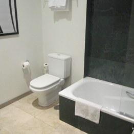 Room Mate Lola Room 308 bathroom