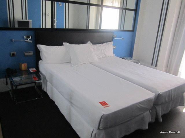 Room Mate Lola Room 308