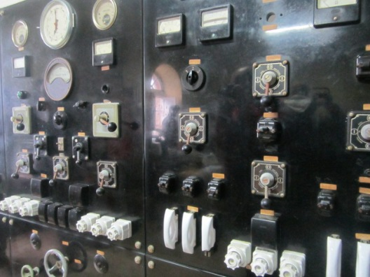 Control room at Cabo Vilan - old instruments