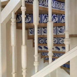 Tiled staircase Island suite Hotel Cort